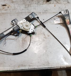 2009 HOLDEN COMMODORE RIGHT FRONT WINDOW REG MOTOR