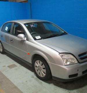 2003 HOLDEN VECTRA FUSE BOX